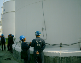 ACOUSTIC EMISSION TEST FOR OIL STORAGE TANK BOTTOM PLATE